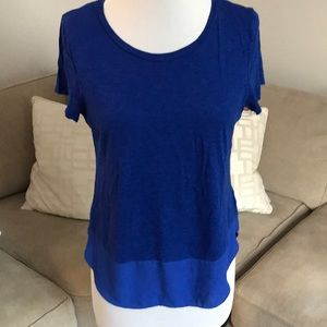 Express Blue bottom lined tee. Size M